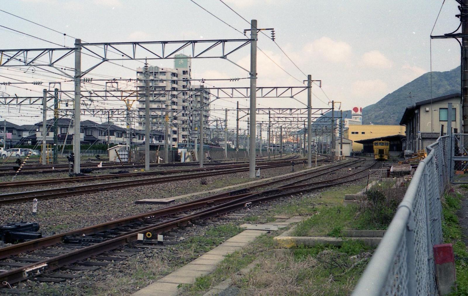 20010401c08