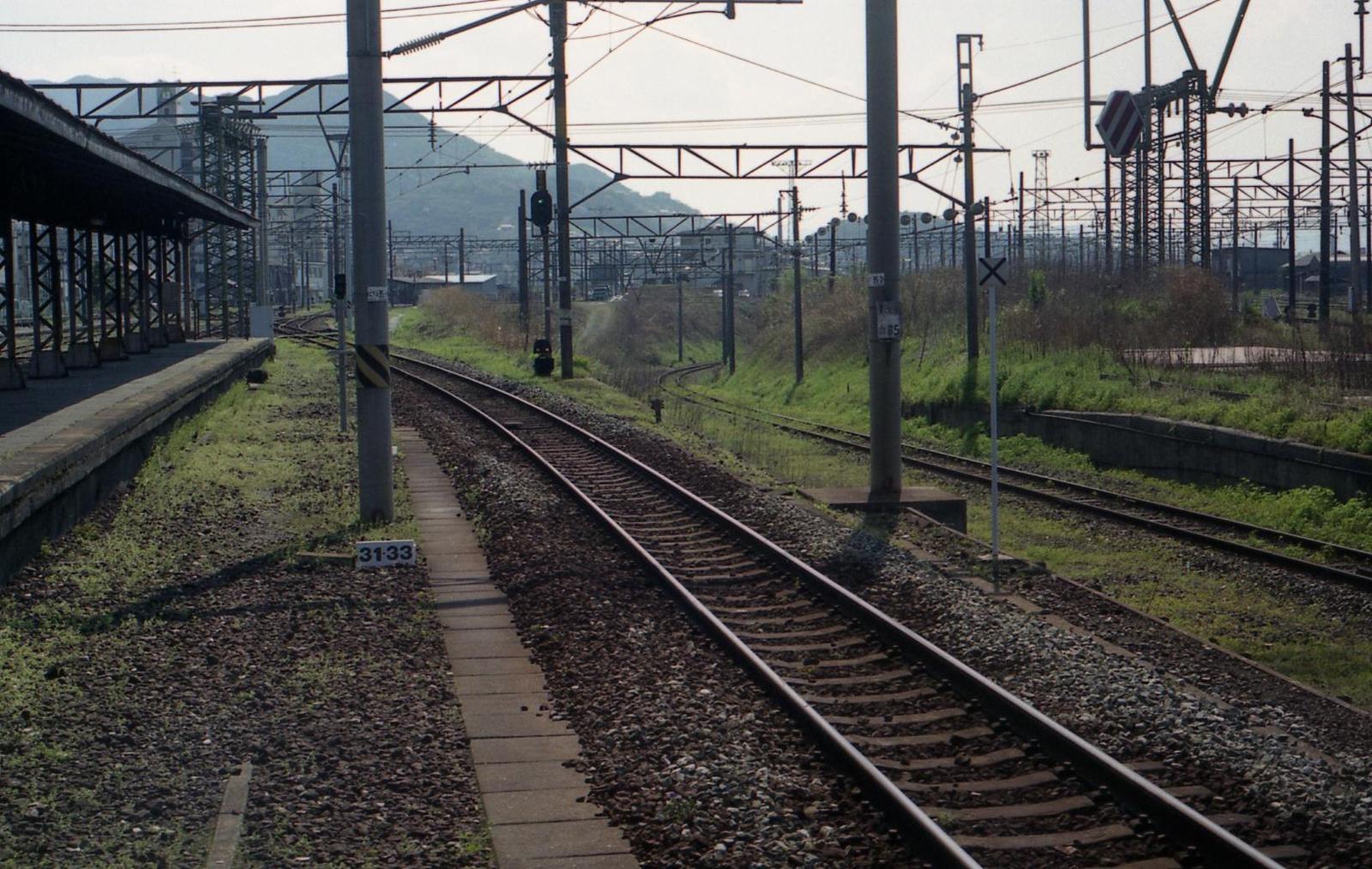 20010401c37